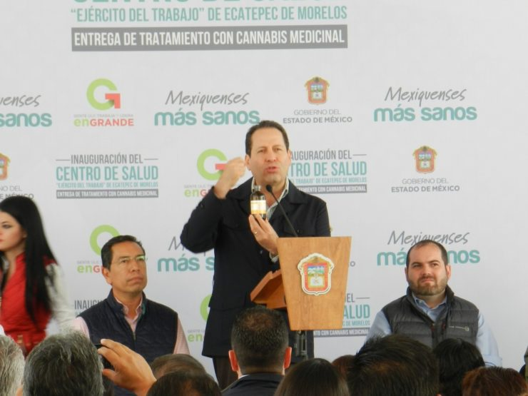 State of Mexico's governor Eruviel Avila holds RSHO-X CBD Hemp Oil at inauguration of new clinic in Ecatepec, where he announced that the states government purchased the product to treat citizens suffering from various indications (PRNewsfoto/Medical Marijuana, Inc.)